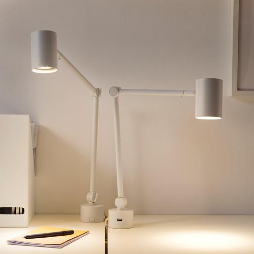 NYMÅNE lámpara flexo de trabajo para mesa o pared, incluye puerto  USB