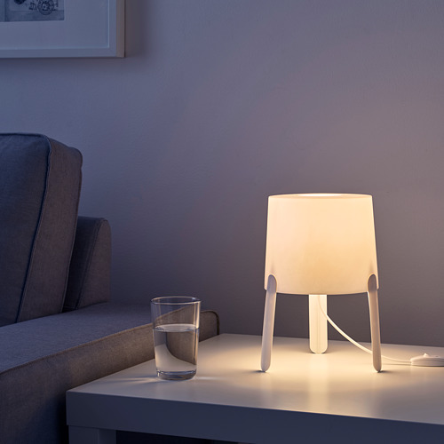 TVÄRS lámpara de mesa