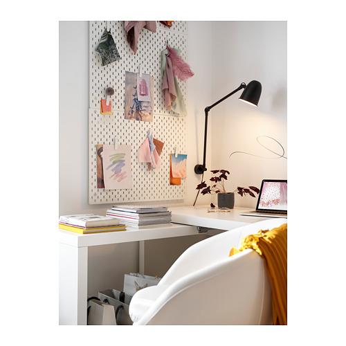 SKURUP lámpara flexo de trabajo para mesa o pared