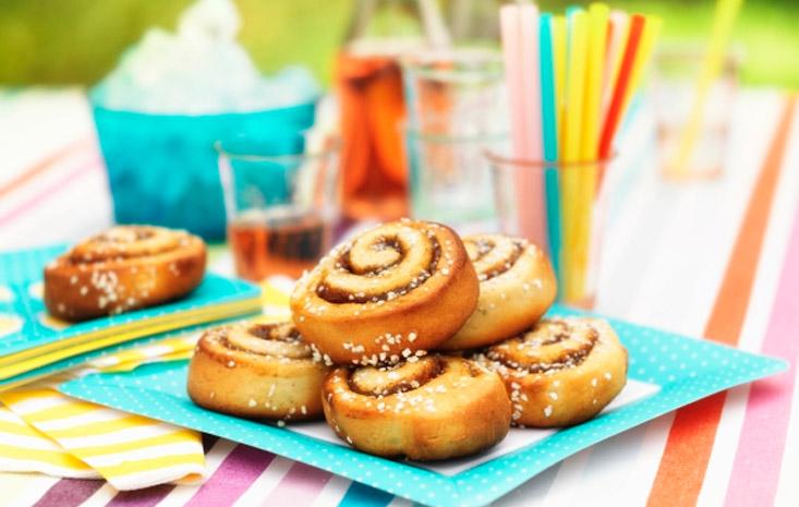 Kanelbullar (Cinnamon rolls)